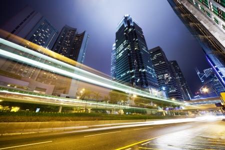 городской пейзаж: торговля в Гонконге в ночное время Фото со стока