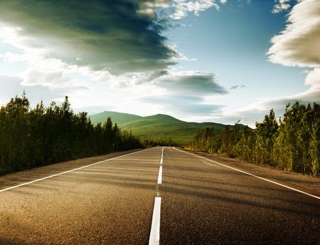 carretera en montañas rusas