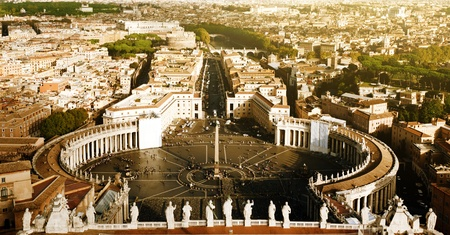peter: Vatican square of saint Peter Editorial