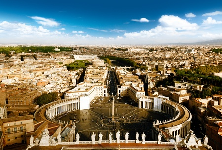 angelo: Vatican square of saint Peter Editorial