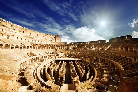 roma antigua: en el interior del Coliseo de Roma, Italia