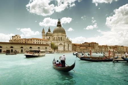 Grand Canal en de basiliek van Santa Maria della Salute, Venetië, Italië en zonnige dag Stockfoto