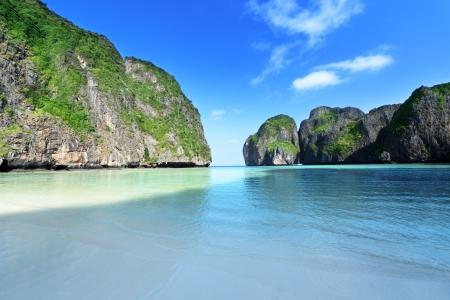 morning time at  Maya bay, Phi Phi Leh island,Thailand Stock Photo - 17875248