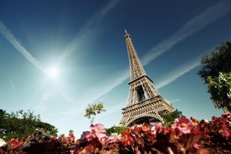日当たりの良い朝、エッフェル塔、パリ、フランス