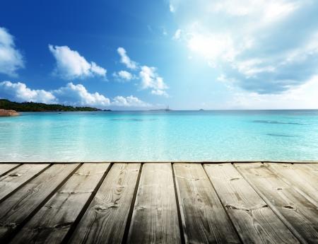tabla de surf: playa de las Seychelles