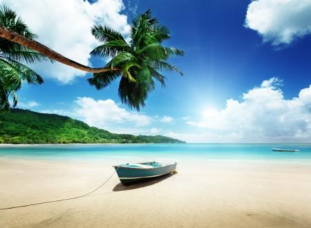 해변 마헤 섬, 세이셸에 보트 스톡 콘텐츠