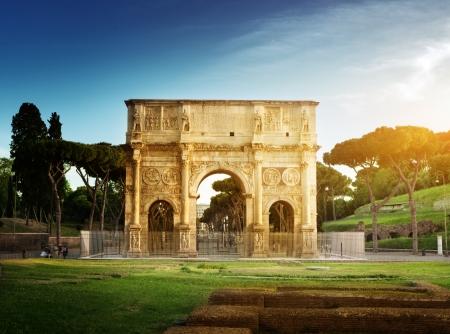 arcos de piedra: Arco de Constantino, Roma, Italia