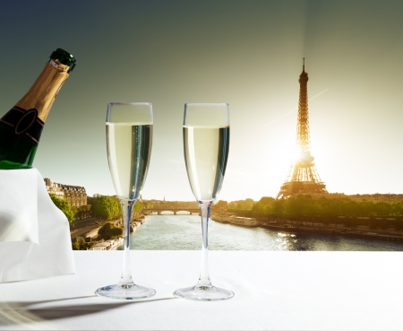 champaign Glasses and  Eiffel tower in Paris Stock Photo - 23651966