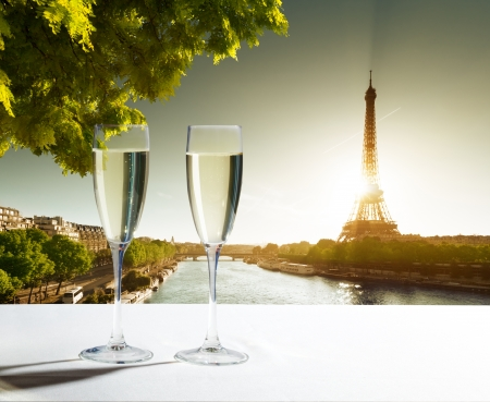 champaign Glasses and  Eiffel tower in Paris Stock Photo - 23651974