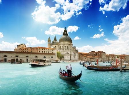 大運河とバシリカ サンタ・マリア ・ デッラ ・ サルーテ、ヴェネツィア、イタリア、晴れた日 写真素材