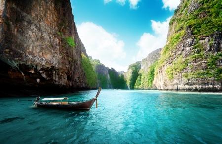 Bay w Phi phi island w Tajlandii Zdjęcie Seryjne