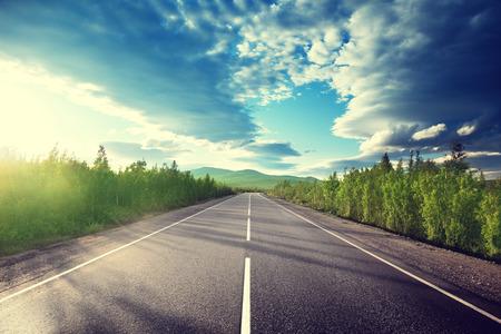 путешествие: Дорога в горы Фото со стока