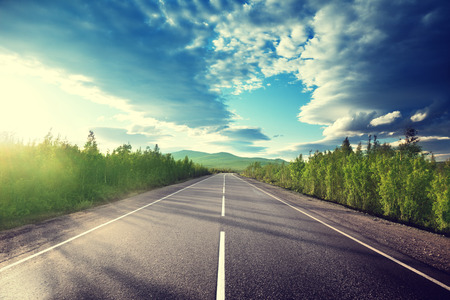 Дорога в горы Фото со стока