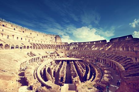 이탈리아 로마에서 콜로세움의 내부