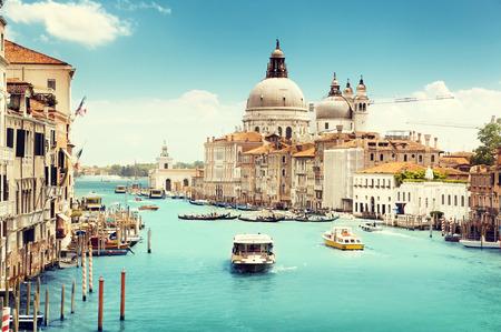 大運河や大聖堂サンタ・マリア ・ デッラ ・ サルーテ、ベニス、イタリア