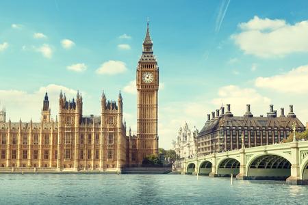 big: Big Ben en un d�a soleado, Londres