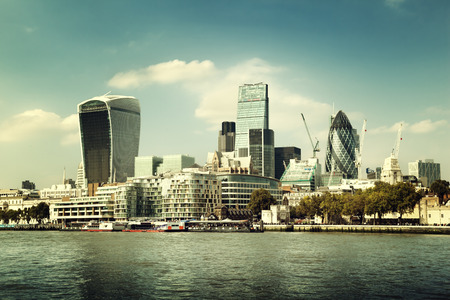 テムズ川からロンドン市街のスカイライン 写真素材