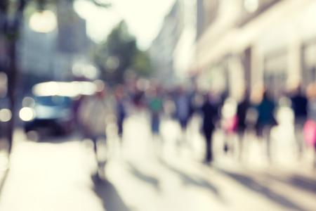 ボケ味は、ロンドンの通りの人々