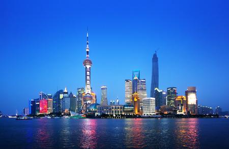 nacht: Shanghai bei Nacht, China