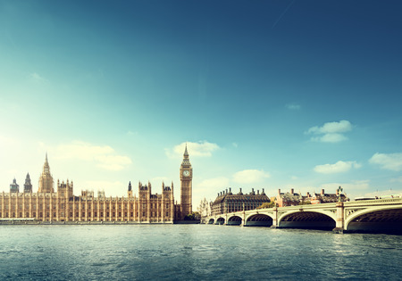 화창한 날에 빅 벤, 런던