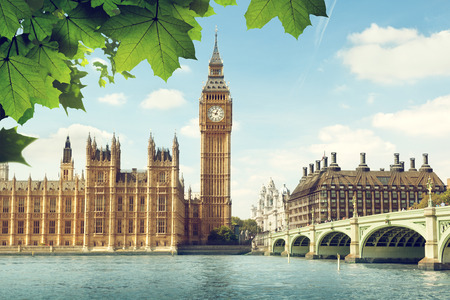 �summer: Big Ben en un d�a soleado, Londres