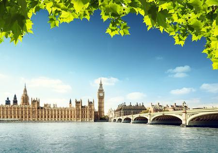 verano: Big Ben en un d�a soleado, Londres