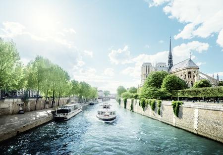 river boat: Seine and Notre Dame de Paris, Paris, France Stock Photo