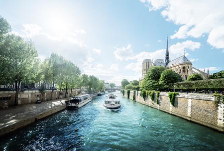 Seine and Notre Dame de Paris, Paris, France 스톡 콘텐츠
