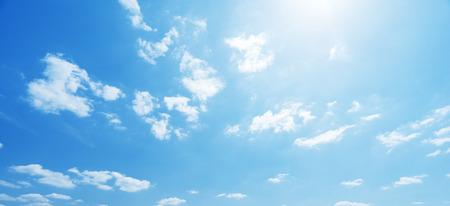 hemel en perfecte zonnige dag Stockfoto