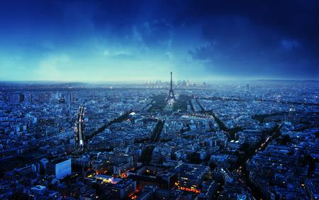 nacht: Paris Skyline bei Sonnenuntergang, Frankreich Lizenzfreie Bilder