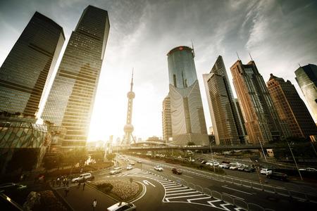 上海の陸家嘴金融センター、中国の道路 写真素材