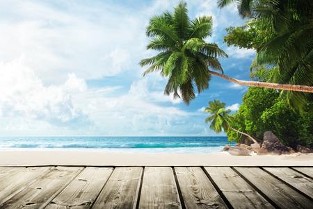 ビーチ、木製の桟橋 写真素材