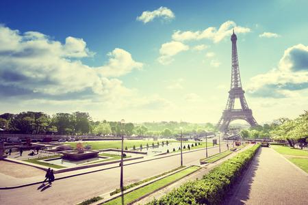 sunny morning and Eiffel Tower, Paris, France Zdjęcie Seryjne