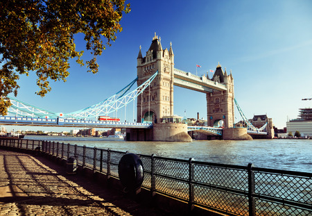 Tower Bridge in Londen, VK Stockfoto - 46996533