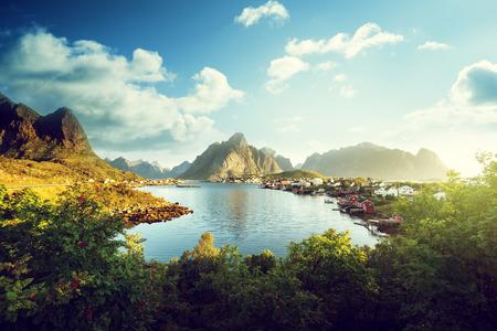 風景: レーヌの村、ノルウェーのロフォーテン諸島 写真素材