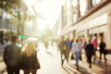 personas en la calle: personas en bokeh, calle de Londres