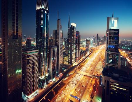 skyline van Dubai in de zonsondergang tijd, Verenigde Arabische Emiraten Stockfoto