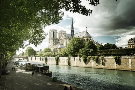 notre dame de paris: Seine and Notre Dame de Paris, Paris, France Stock Photo