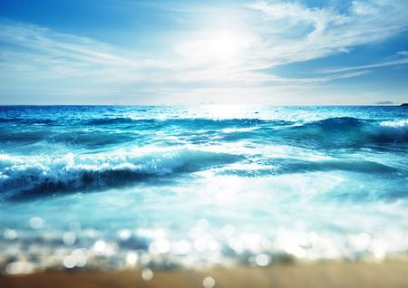 strand in de zonsondergang tijd, tilt shift effect