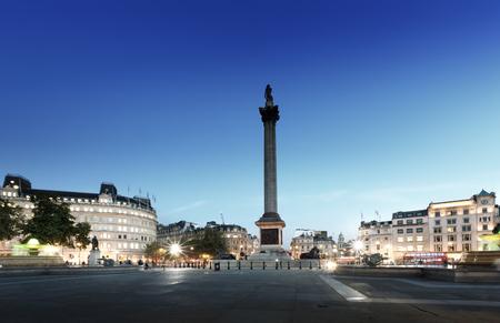 trafalgar: Trafalgar Square with Nelson Column at night, London, UK