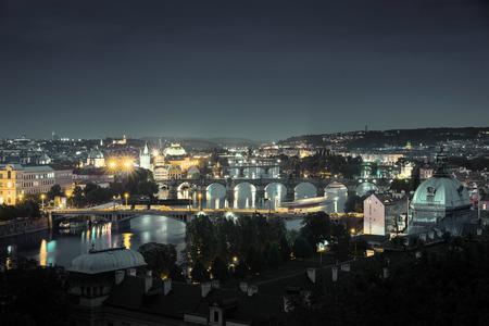 밤, 프라하, 체코의 다리