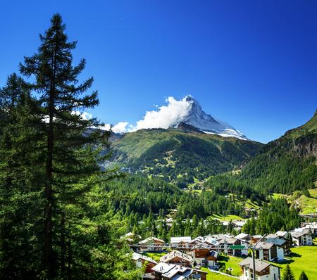 Het dorp van Zermatt met piek van Matterhorn, Zwitserland Stockfoto