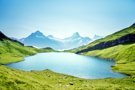 Bachalpsee 호수, Bernese Oberland, Switzerland, Europe의 Schreckhorn과 Wetterhorn 스톡 콘텐츠
