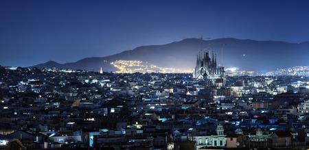 Barcelona en el atardecer, España