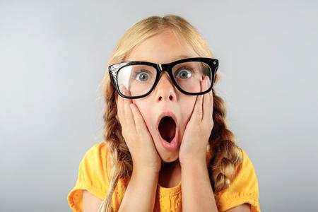 복사 공간이 안경에 출산 된 아이 스톡 콘텐츠