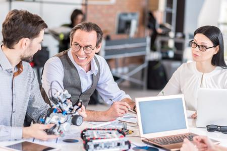 Positive team constructing modern device