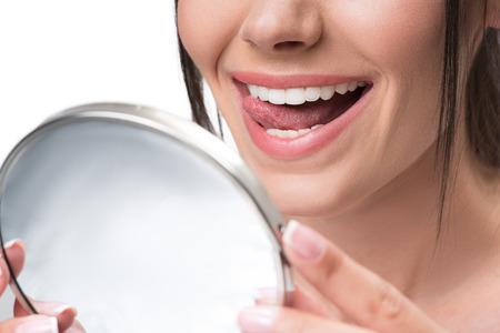 아름다운 이빨 미소로 귀여운 소녀 스톡 콘텐츠