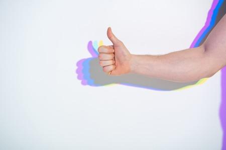 잘 했어. 기호 확인 표시 페인트 반사와 사람 손을 닫습니다. 양성 개념 스톡 콘텐츠 - 94827817