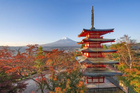 Mount Fuji and Chureito Pagoda in Autumn, Japan Редакционное