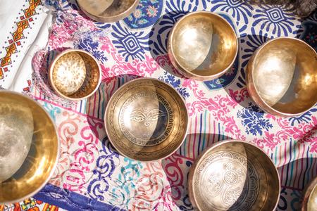 Singing Bowls - Cup of life - populaire souvenirwinkel voor massa-producten in Nepal, Tibet en India - Verblijven op etnische traditionele ornament-katoen